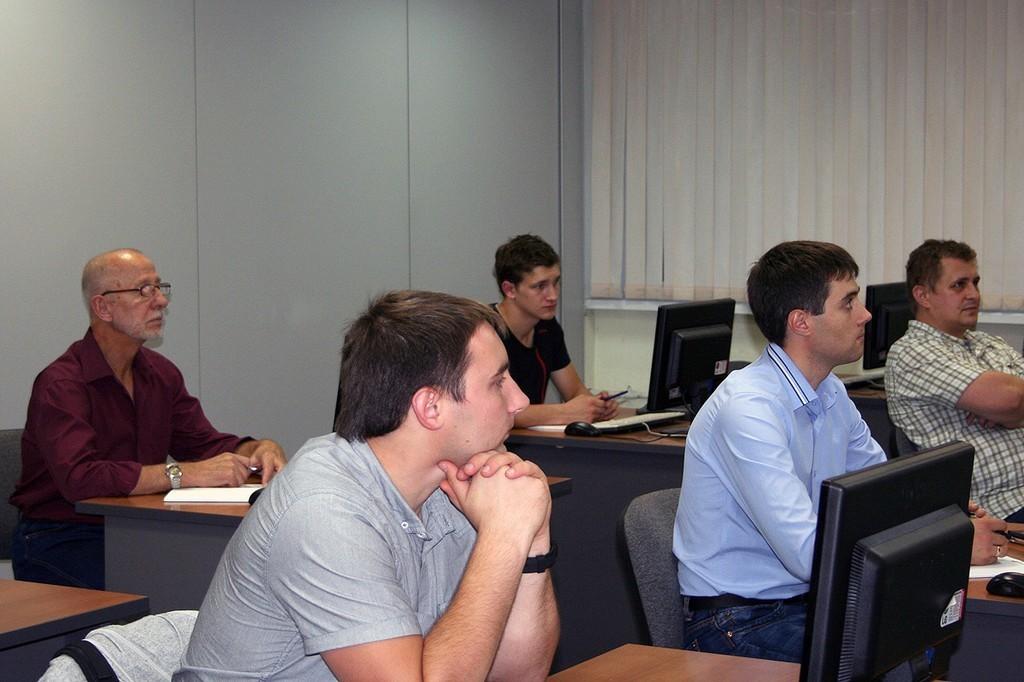 2сентября приступила кзанятиям первая вновом учебном году группа Сетевой академии Cisco ТУСУР