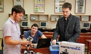 Пресс-релиз от13 ноября 2014г. Студенты ТУСУР собрали робота-змею, чтобы исследовать исовершенствовать механику движения роботов