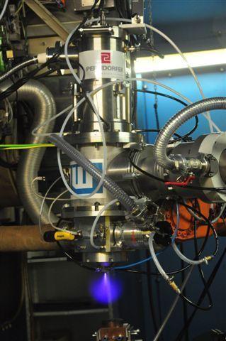 Пресс-релиз от4 июня 2014г. Ученые ТУСУР занимаются разработкой оборудования, спомощью которого можно будет получать нанопорошки, осуществлять электронно-лучевую наплавку исоздавать трехмерные изделия методами послойного спекания