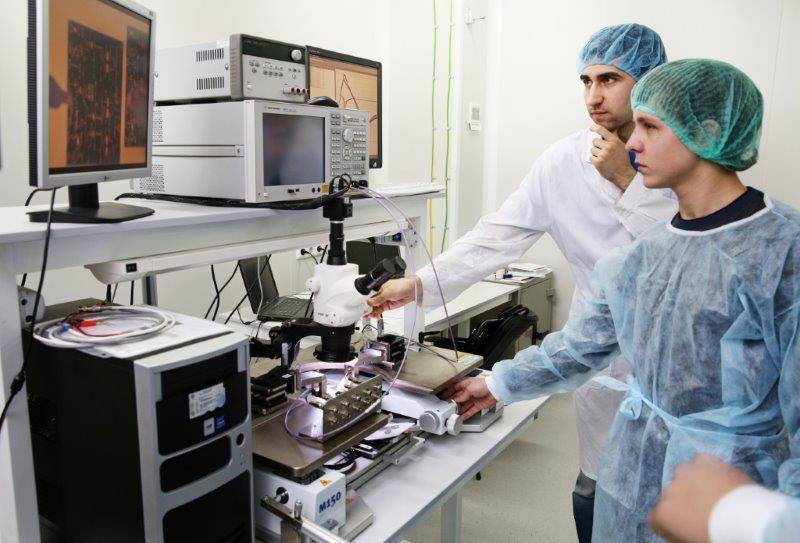 Пресс-релиз от02 марта 2015г. Вконце февраля томские школьники впервые побывали наэкскурсии вНОЦ «Нанотехнологии» ТУСУР