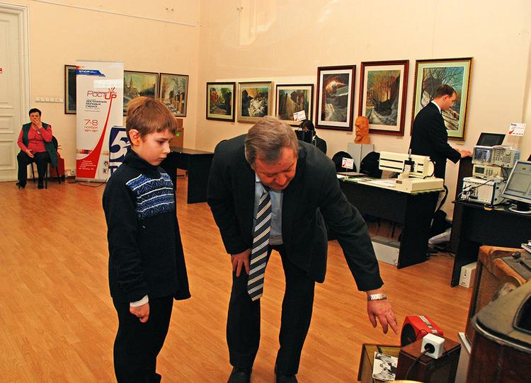 Второй день работы выставки научных достижений молодых учёных ТУСУРа «РОСТ.up!»