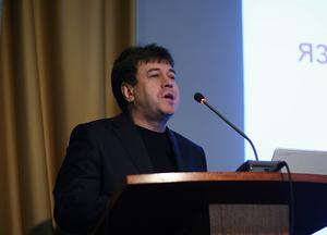 Декан факультета инновационных технологий Ю. М. Лирмак