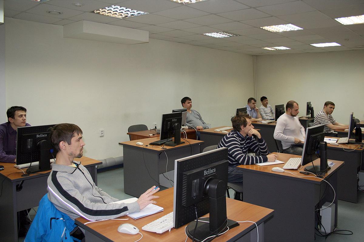 24ноября приступила кзанятиям третья осенняя группа Сетевой академии Cisco ТУСУР