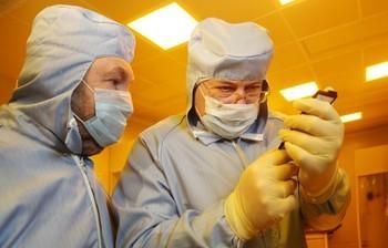 КаквТУСУР создают элементы наноэлектроники узнал вовремя визита вуниверситет губернатор Томской области