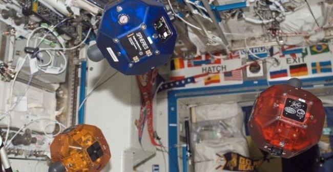 Ученики STEM-центра ТУСУР прошли вфинал престижного Международного космического чемпионата Zero Robotics