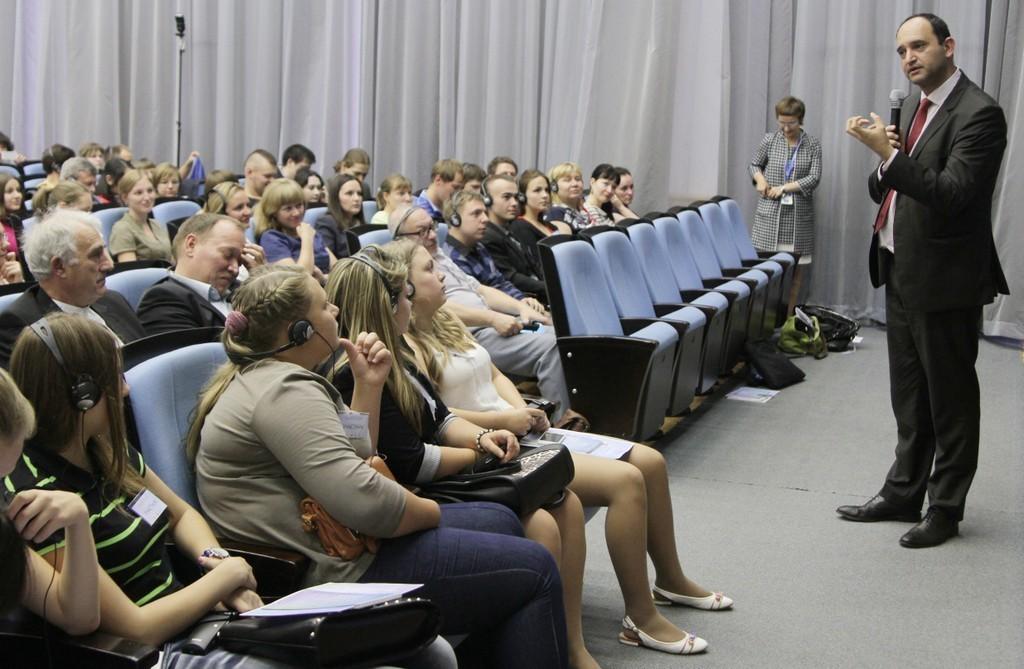 Обмен опытом с иностранными коллегами - неотъемлемая часть международной жизни университета. На фото Проф. Маркос Пинотти, профессор Федерального университета Минас-Жераис (Бразилия).
