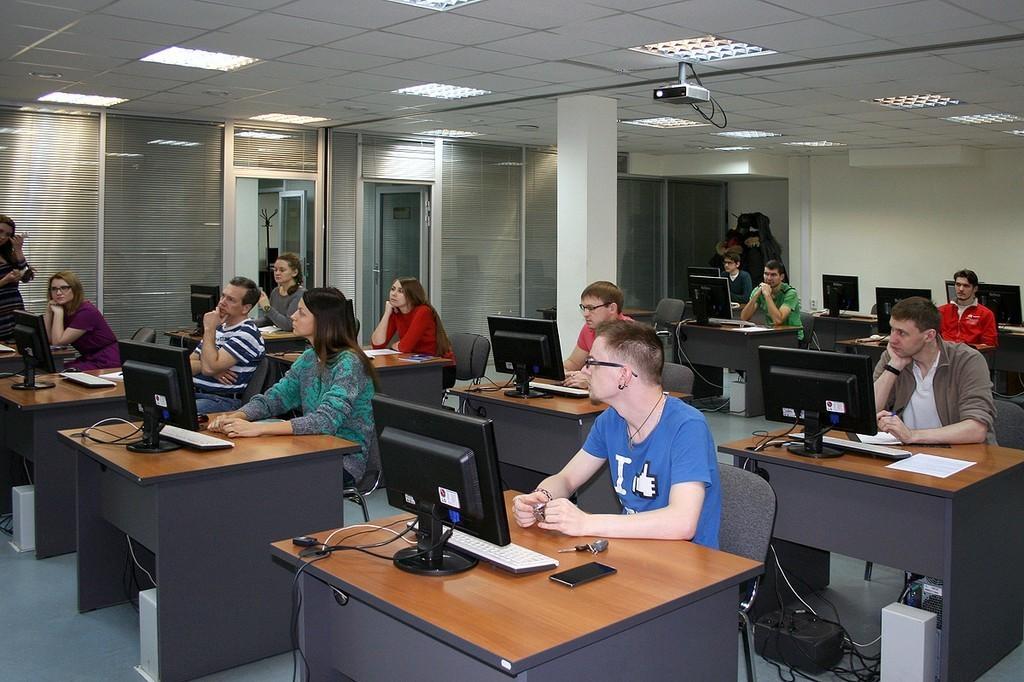 17февраля вЦентре международной IT-подготовки начались занятия попрограмме повышения квалификации «Программирование наJava»