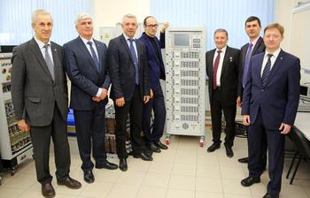 Пресс-релиз от11 апреля 2016г. НИИАЭМ ТУСУР приступил кпроизводству нового поколения оборудования дляназемных испытаний спутников