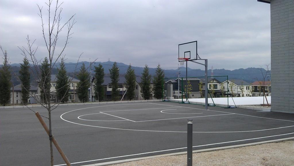 Спортивная площадка кампуса Университета Рицумейкан