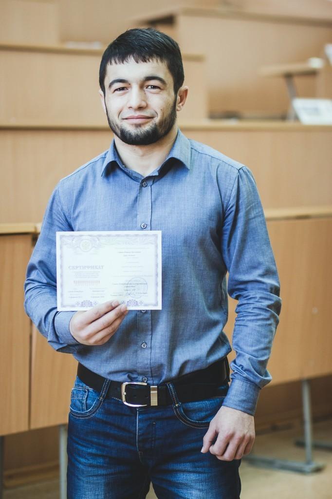 Студент ТУСУРа, успешно сдавший комплексный экзамен по русскому языку, истории и основам законодательства РФ