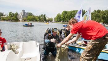 Аквалангисты клуба «Наяда» ТУСУР очистили Белое озеро спомощью новых технологий