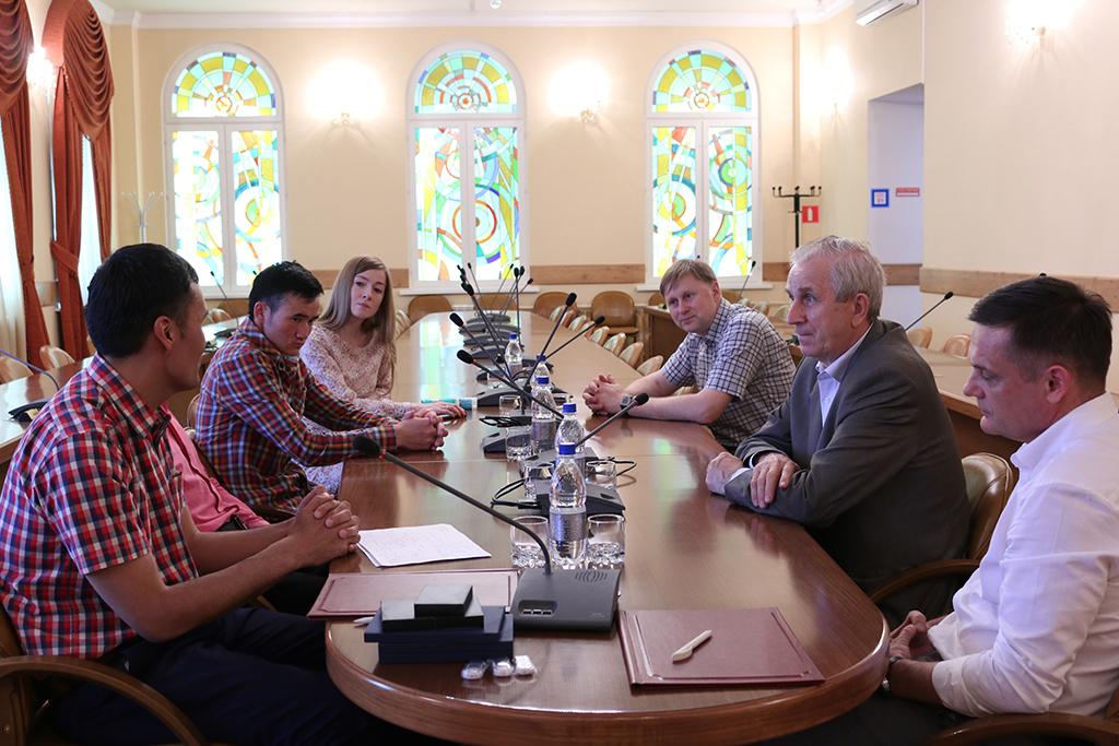 ТУСУР ицентр инноваций «Инженер» подписали соглашение осотрудничестве