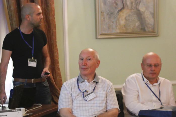 Профессор Физиев из Болгарии (в центре)