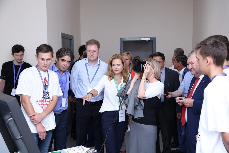 На фотографии: участники педсовета на открытии Молодёжного технопарка в УГНТУ (источник фото: ufacity.info)
