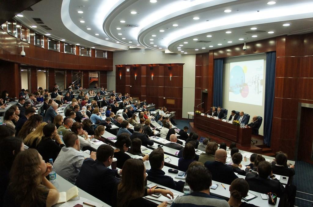 Директор СБИ«Дружба» ТУСУРа принял участие вмеждународном форуме побизнес-инкубаторству