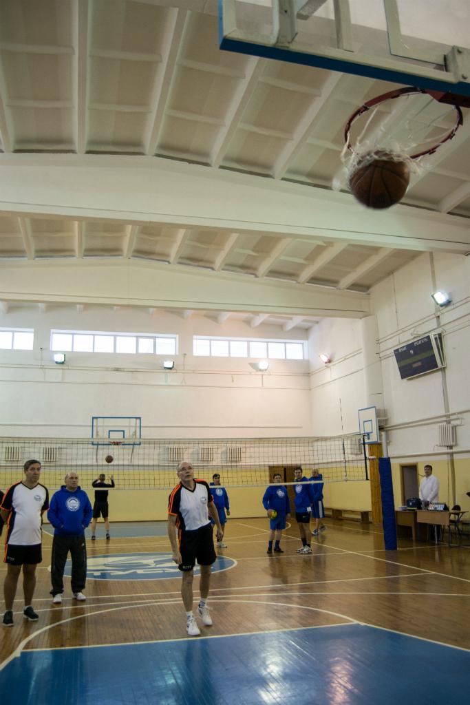 Сборная ТУСУРа обошла сборную НГТУ вспартакиаде ректоратов