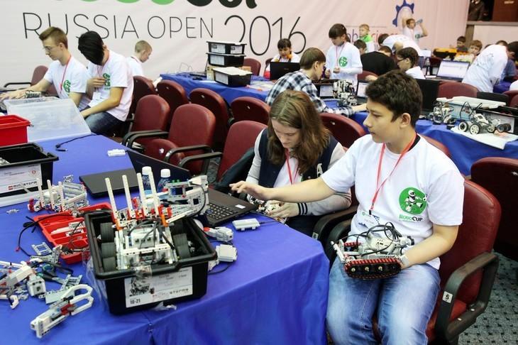 ТУСУР провёл первый национальный этап международных соревнований по робототехнике