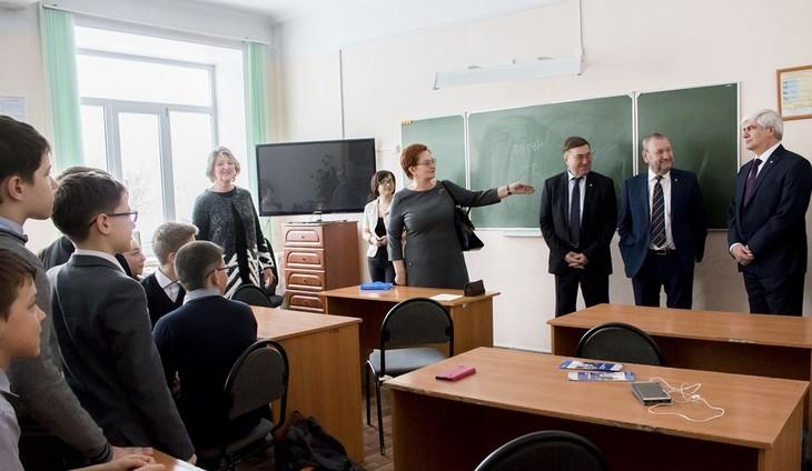 Оксана Козловская провела рабочую встречу в Томском физико-техническом лицее