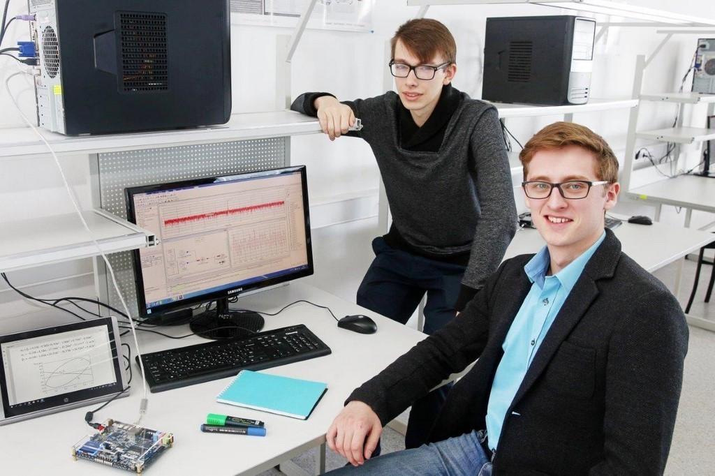 ВТУСУРе разрабатывают систему дляадаптации экзоскелета длялюдей сДЦП