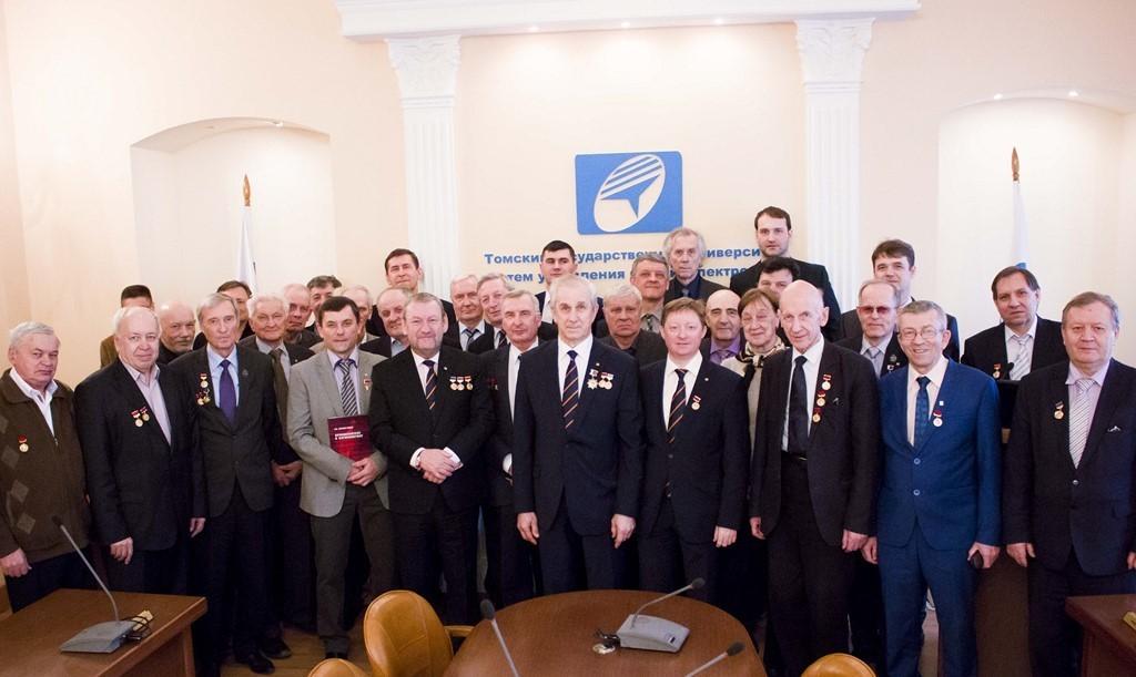 Сотрудники ТУСУРа награждены медалями Федерации космонавтики России