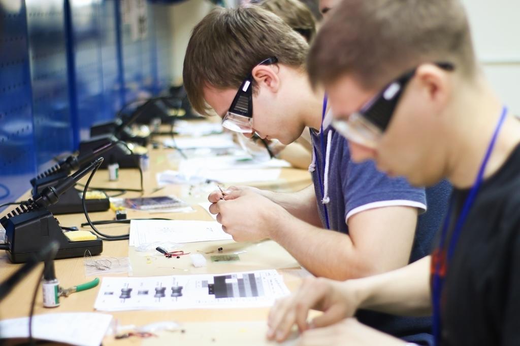 ВТУСУРе прошёл первый этап конкурса радиомонтажников