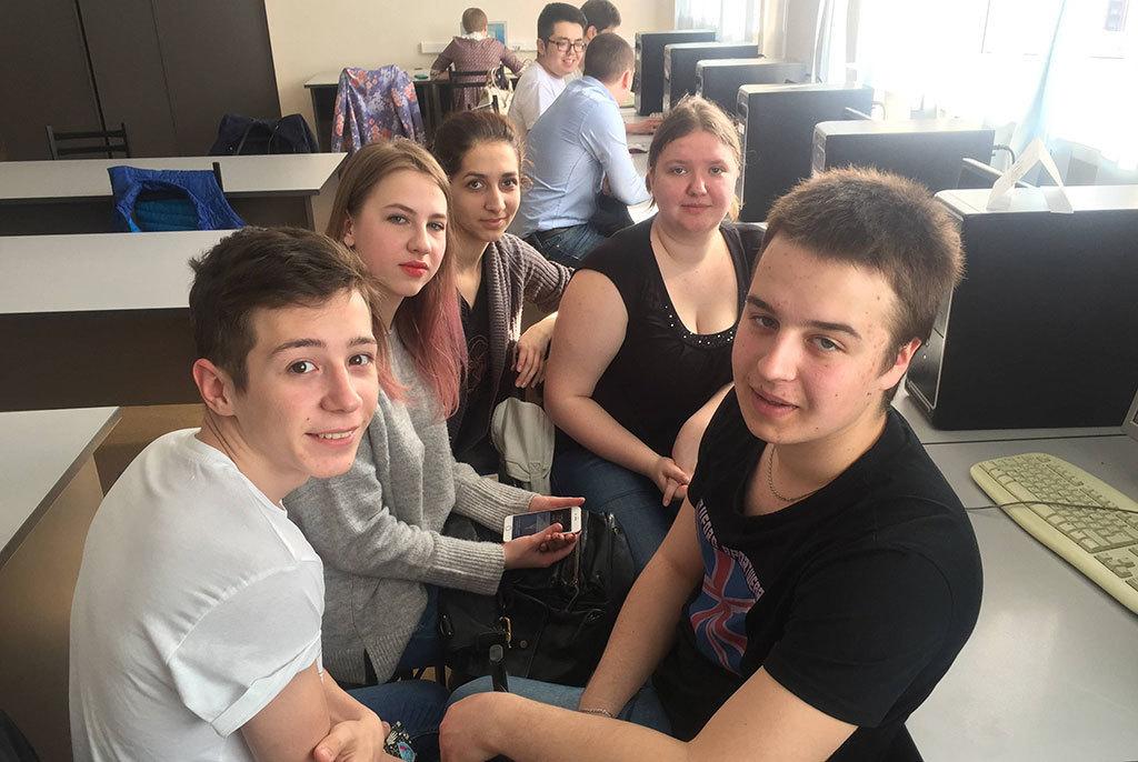 Определены победители деловой научной игры, проведённой кафедрой экономики ТУСУРа