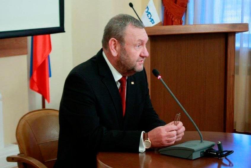 Удалось реализовать намеченное: ректор ТУСУРа выступил сотчётом за2016 годперед сотрудниками