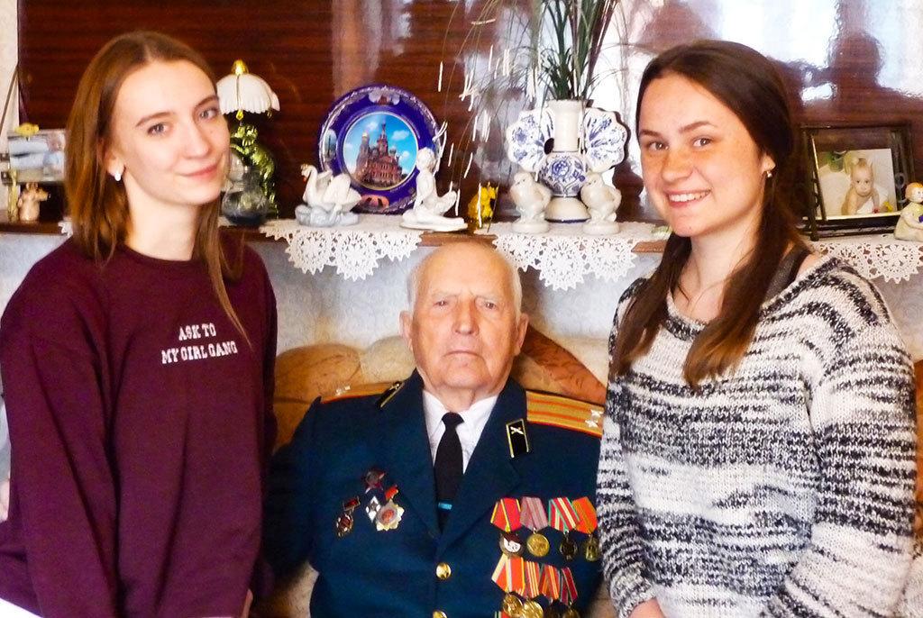 ТУСУР поздравил ветеранов сДнём Победы