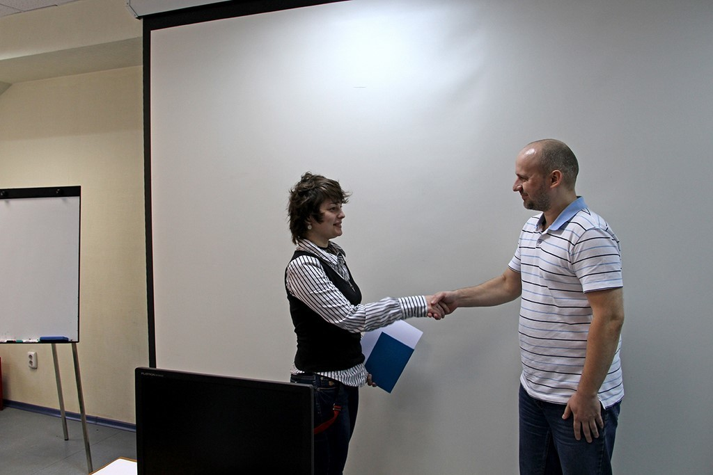 Вуправлении дополнительного образования ТУСУРа прошло вручение международных сертификатов иудостоверений выпускникам курсов повышения квалификации