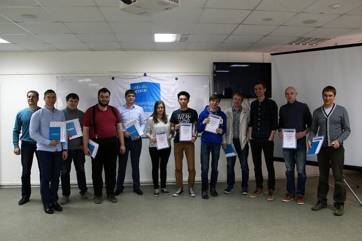 По традиции среди выпускников Сетевой академии Cisco был разыгран сертификат на бесплатное обучение
