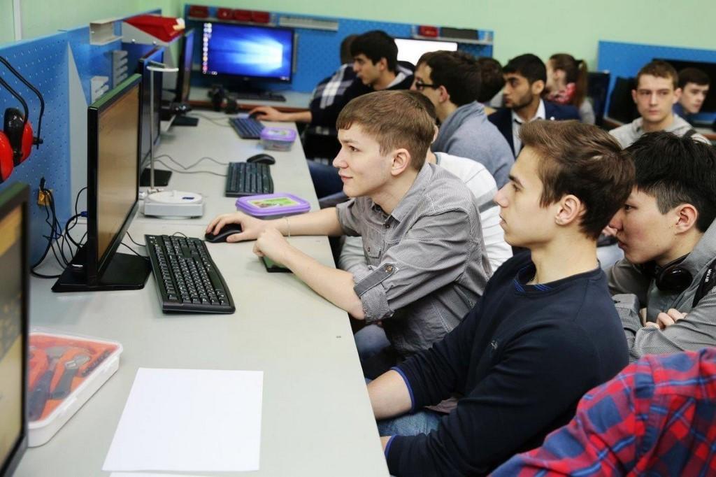 ТУСУР – втройке лучших российских вузов поработе сошкольниками Национального рейтинга университетов