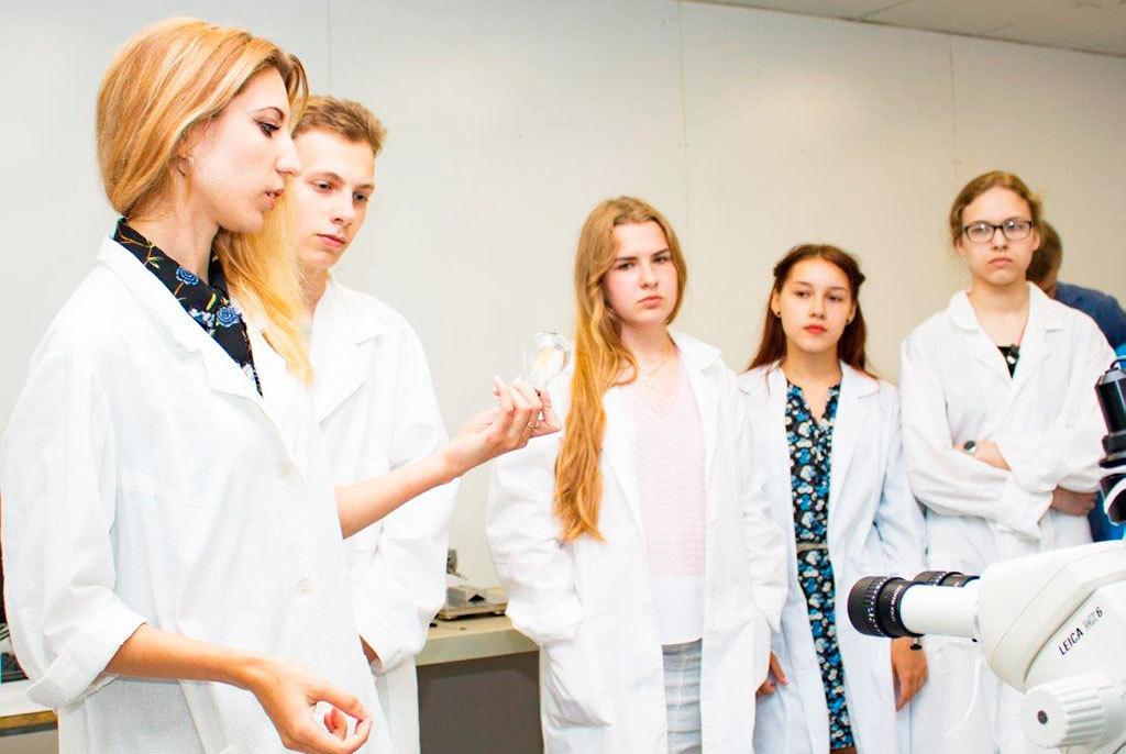 Познакомиться сТУСУРом наканикулах: специальные программы имероприятия вуза дляшкольников