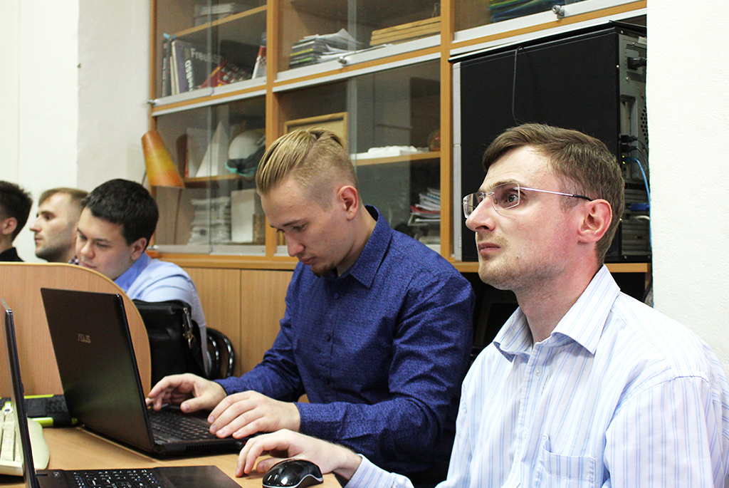 Слушатели программ профессиональной переподготовки ТУСУРа защитили выпускные квалификационные работы