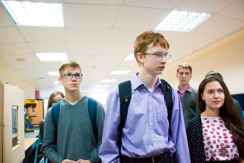 Вформате летней квест-практики сТУСУРом знакомятся ученики ТФТЛ