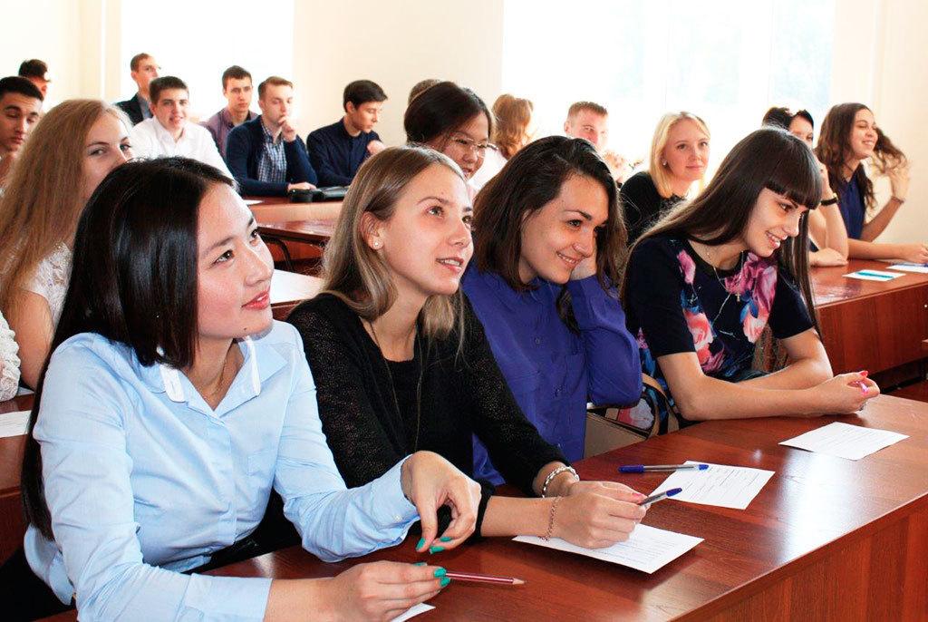 1сентября вТУСУРе пройдут встречи первокурсников сректором ина факультетах