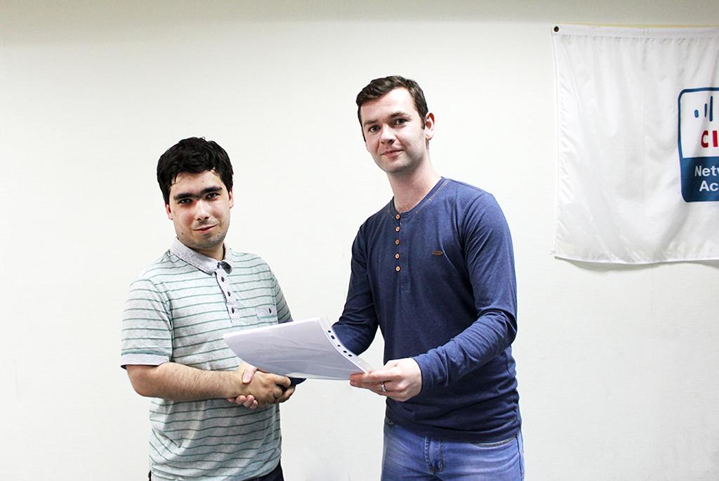 ВСетевой академии Cisco ТУСУРа состоялось вручение международных сертификатов выпускникам курсов повышения квалификации