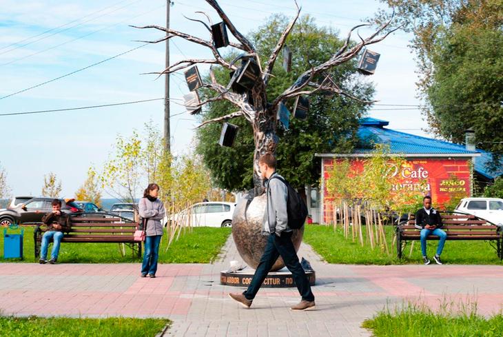 Над созданием Древа знаний трудились лучшие томские мастера