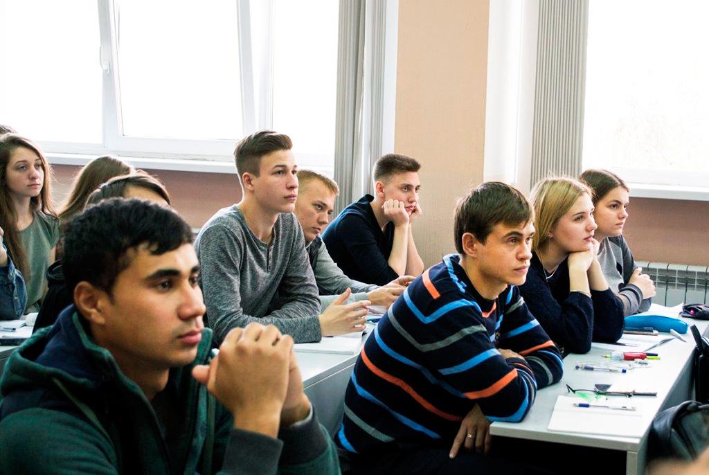 Первокурсники-радиотехники ТУСУРа «погрузились» вспециальность наспециальном квесте