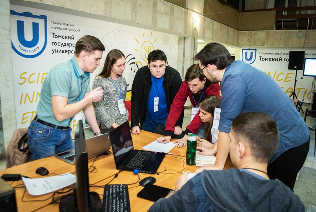 Собери университет: команда ТУСУРа участвует вовсероссийском хакатоне