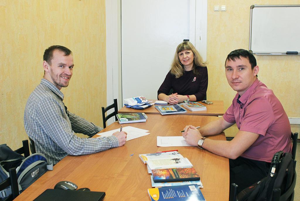 ВТУСУР УМЦИЯзавершилось обучение слушателей ООО«ЛЭМЗ-Т» пообразовательной программе «Интенсивный курс английского языка»