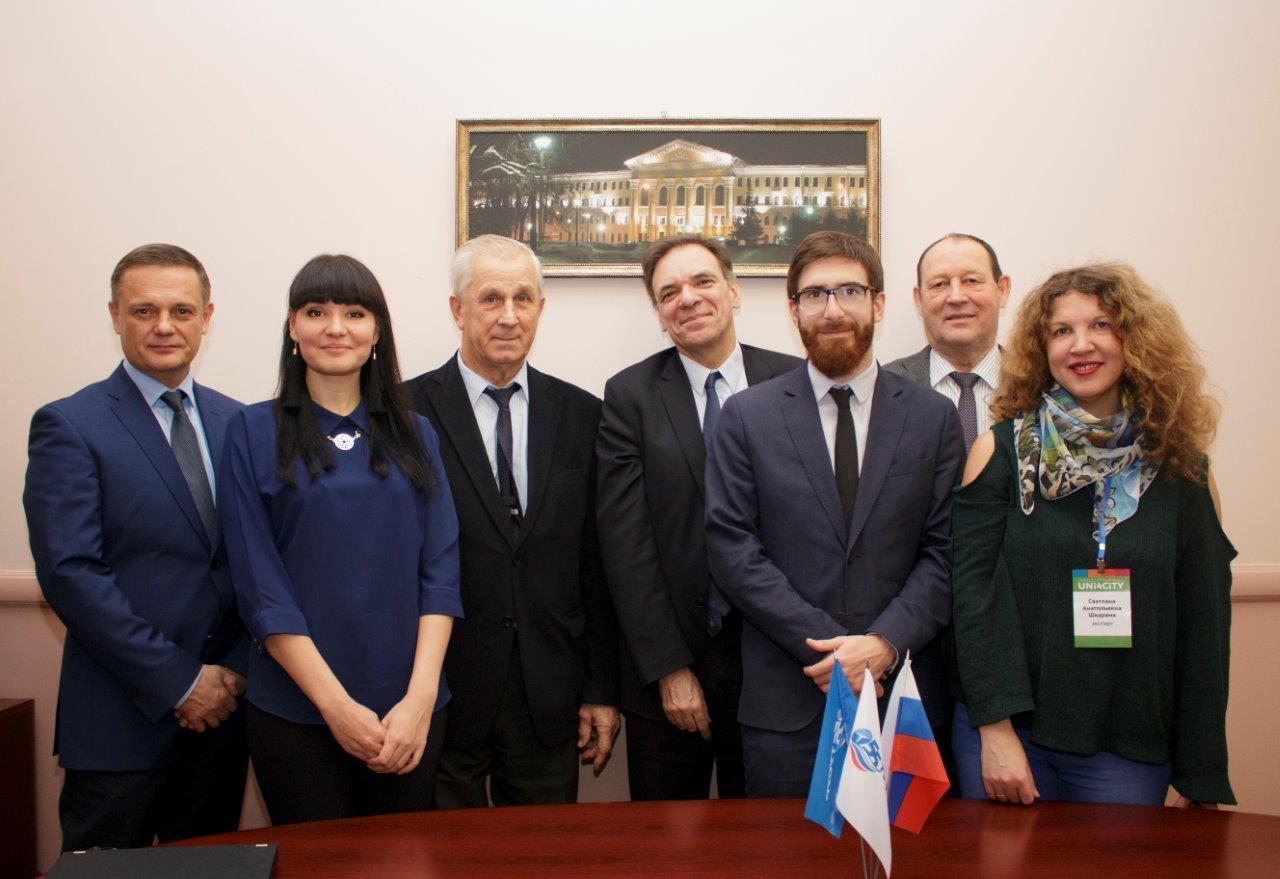 Представители французского посольства вТУСУРе: есть проекты дляуспешного сотрудничества