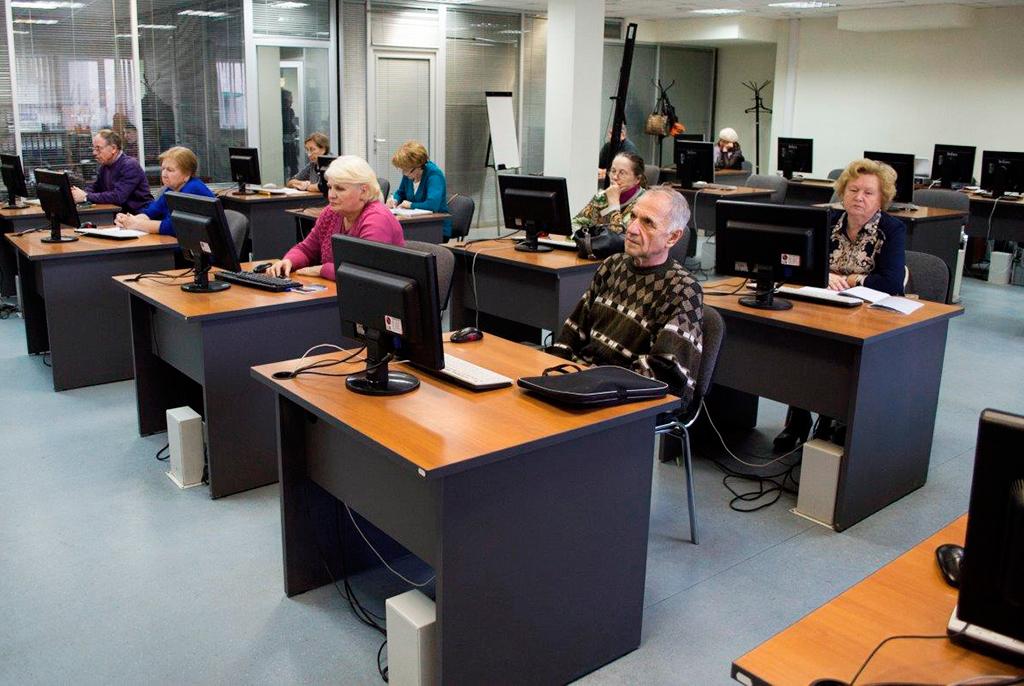 ВТУСУРе курсы компьютерной грамотности прошли более 170пенсионеров