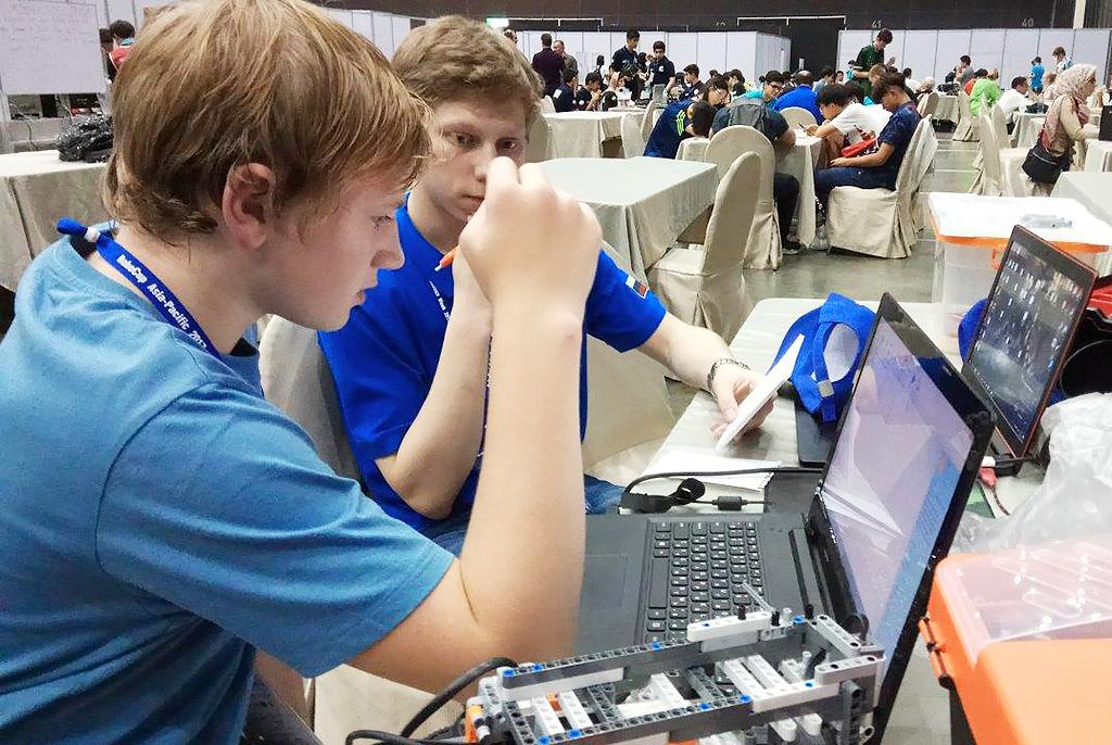 RoboCup вТаиланде: команды ТУСУРа вступили вробосоревнование