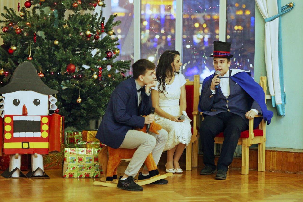 Новогодняя сказка: вТУСУРе впервые прошёл балдля лицеистов